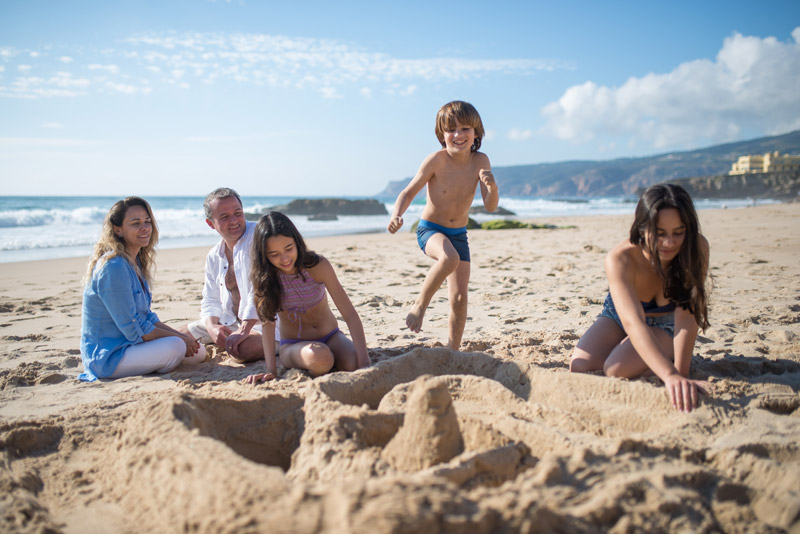 31 Fun Beach games for Kids, Adults & Families