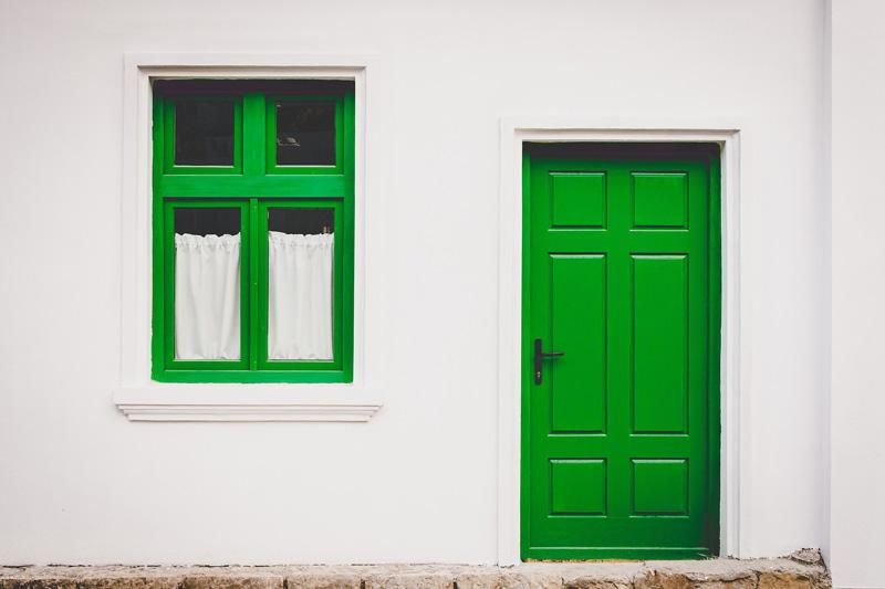 Green Glass Door Game